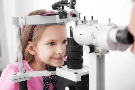 child's eye test